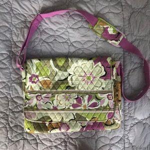 Vera Bradley portobello road messenger bag 🌸🌿